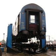 Changing train chassis in Uzhgorod