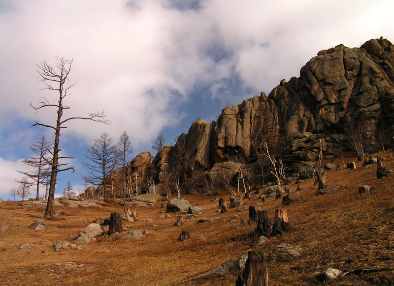 Central Mongolia - trekking in Tsetserleg National Park 01
