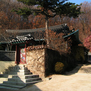 South Korea - Hwa Gye Sa courtyard