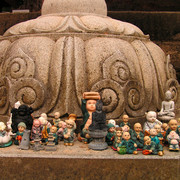 South Korea - small Buddhas