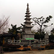 South Korea - Busan - Haedong Yonggunsa Temple 01