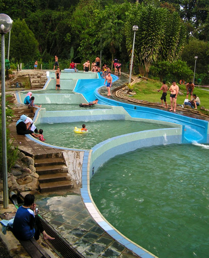 swimming pools malaysia pictures